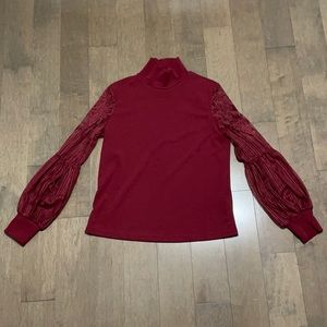Top with lace on arms